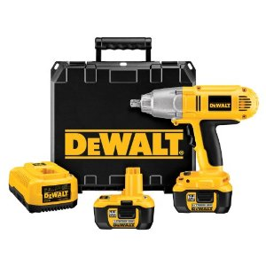 DeWALT DCF059Kl 18-Volt Cordless Lithium-Ion Impact Wrench Kit